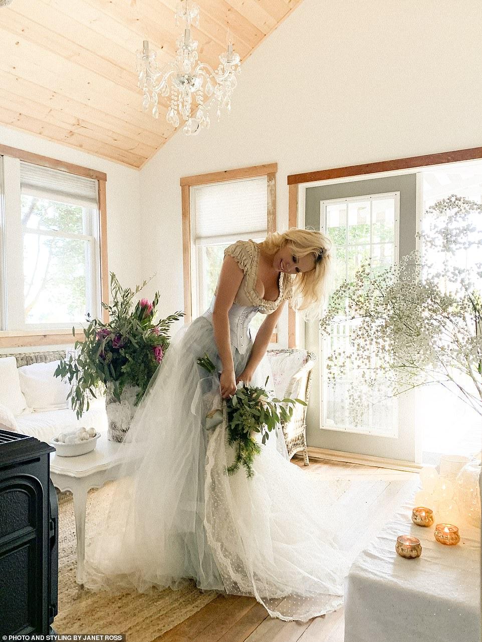 памела андерсон в свадебном платье