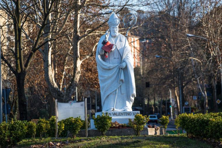 памятник святому Валентину