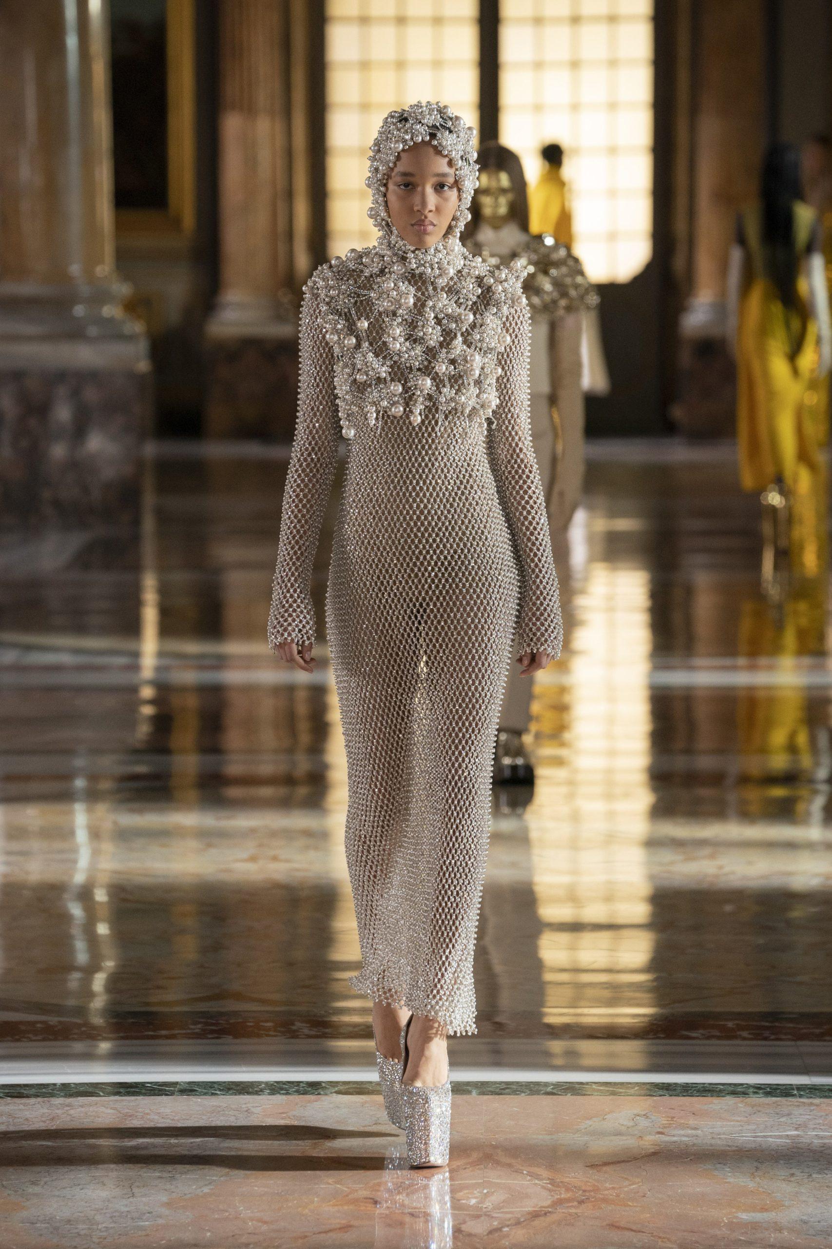платье Valentino 2021
