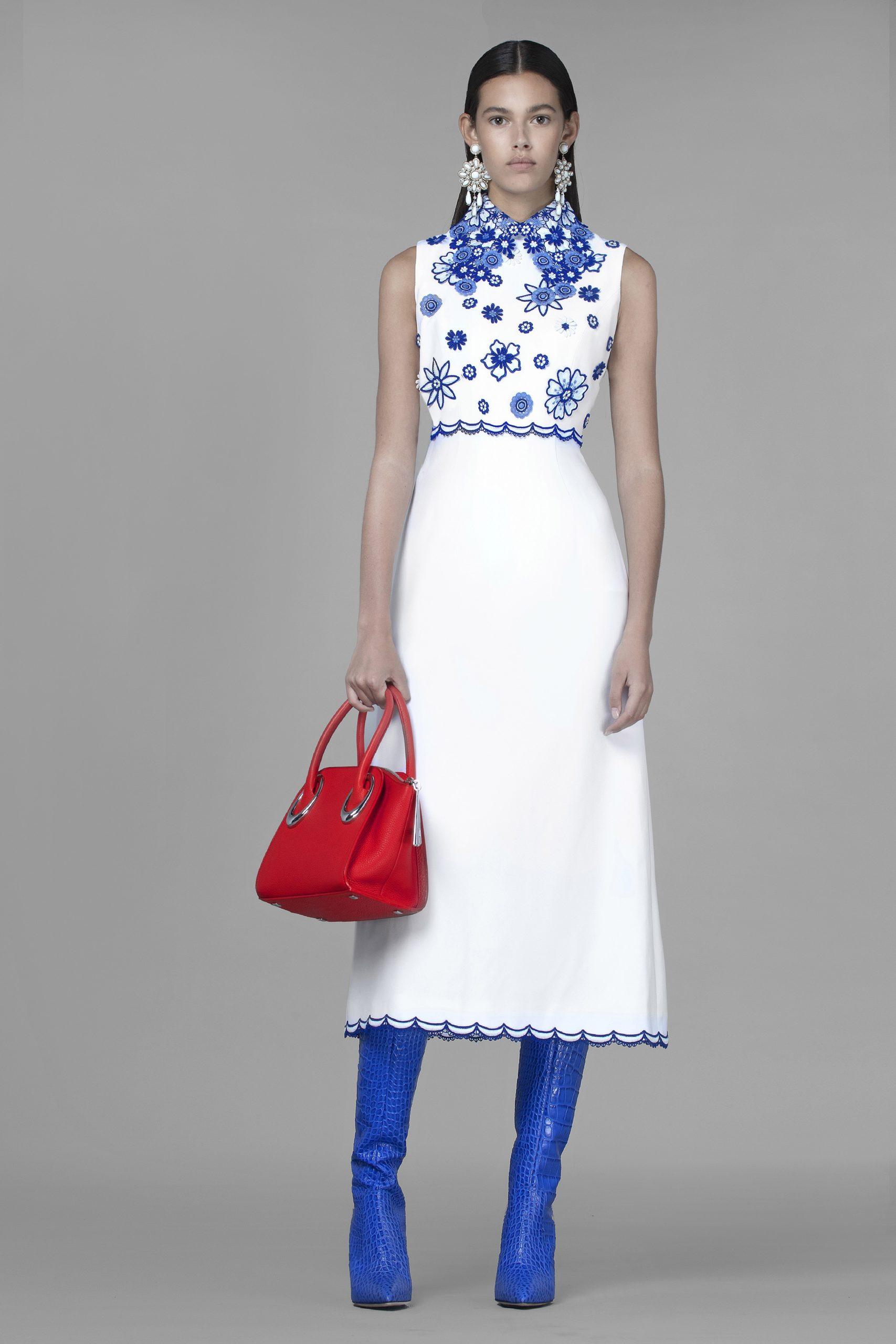 как модно носить красный цвет