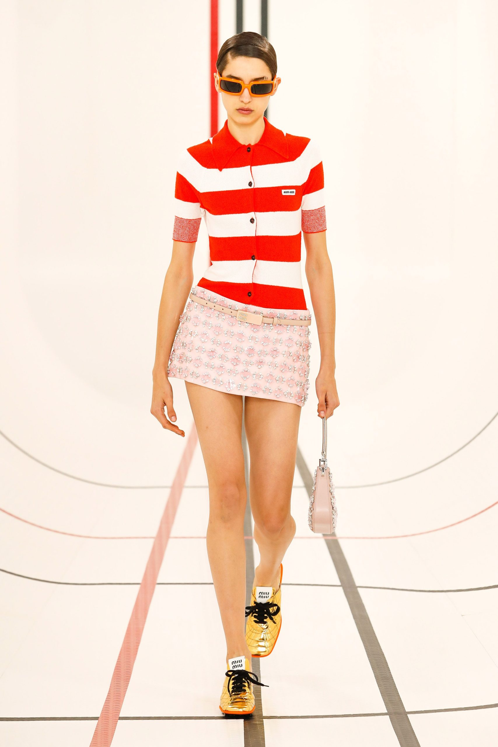 как модно носить красный