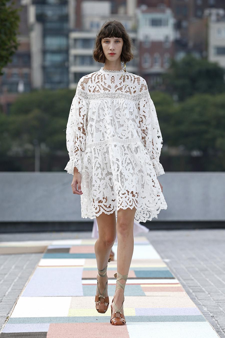 что надеть деньвлюбленных валентина платье кружевовжурное белое короткое