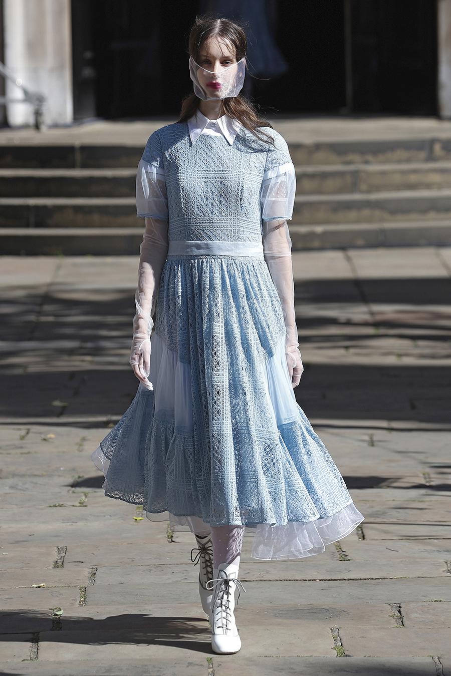 что надеть деньвлюбленных валентина платье кружевовжурное голубое белое короткое