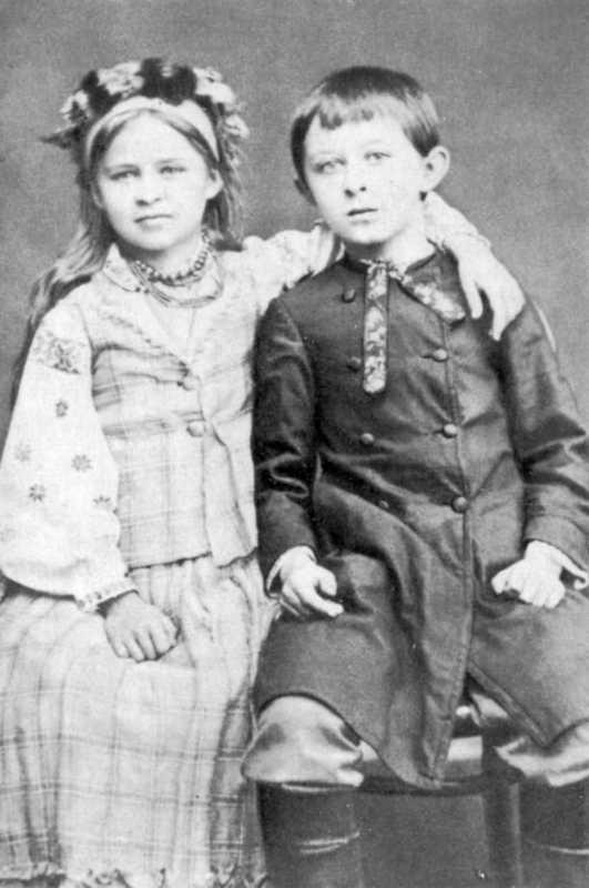 леся украинка с братом в детстве