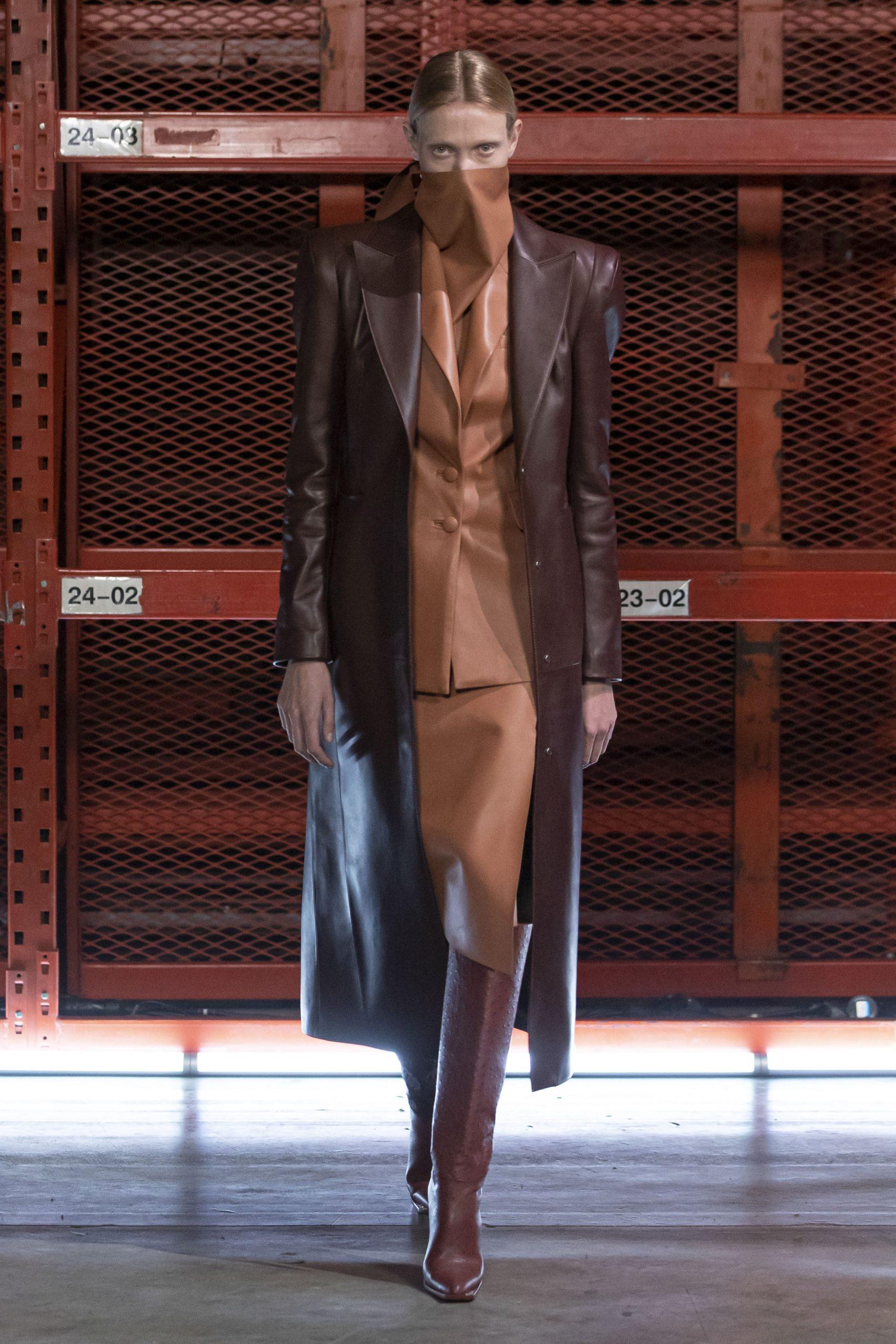 кожаные костюмы
