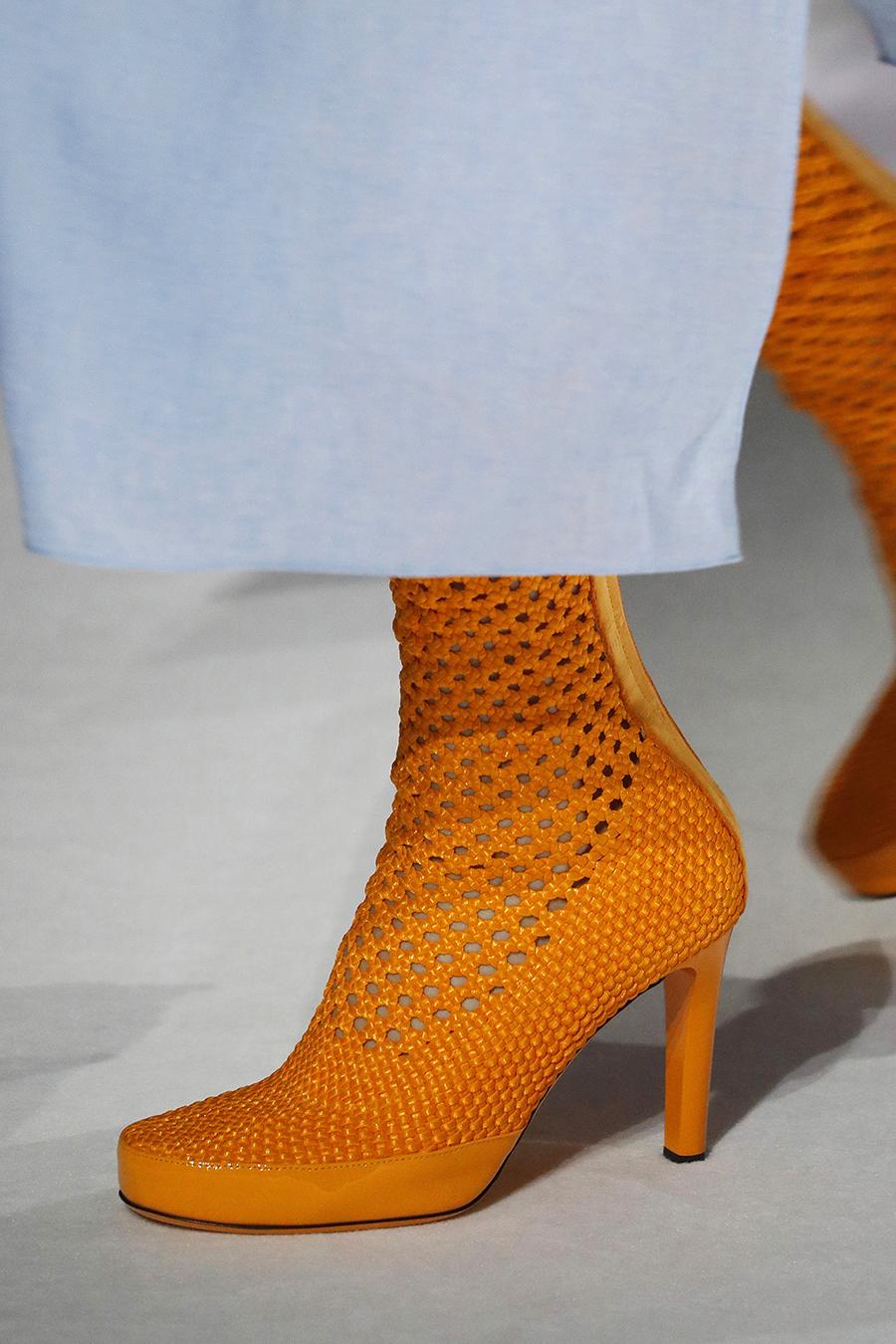 обувь весна 2021 туфли ботильоны ботинки яркие с перфорацией оранжевые плетеные на каблуке