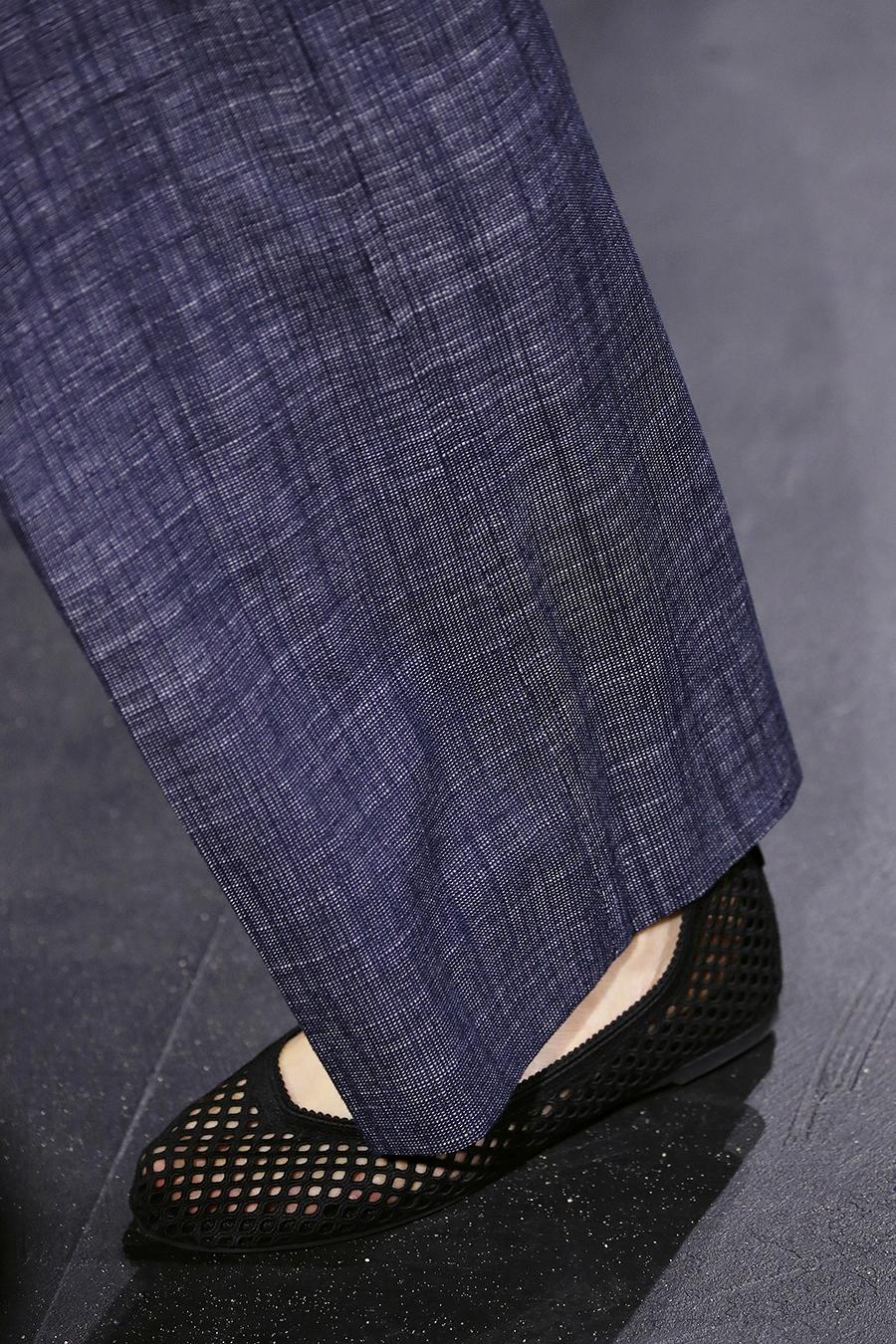 обувь весна 2021 туфли ботильоны ботинки с перфорацией черные на низком плоском ходу
