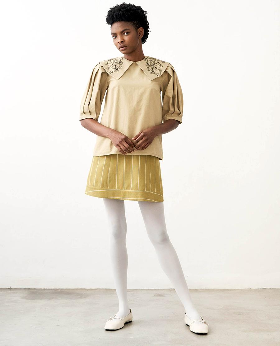 модная блуза блузка рубашка круглый большой воротник бежевая вышивка