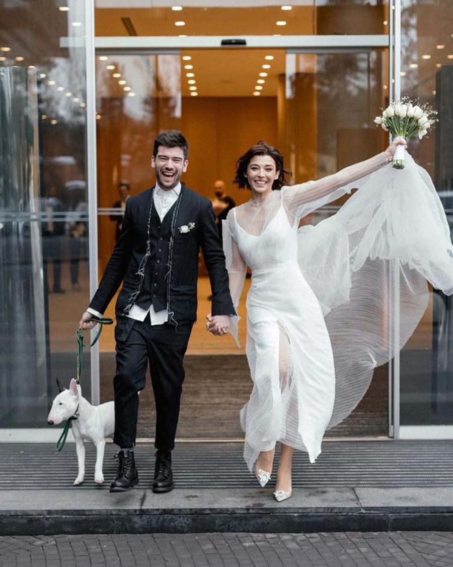 алина астровская свадьба свадебное платье короткое белое украинские звезды в чем выходят замуж