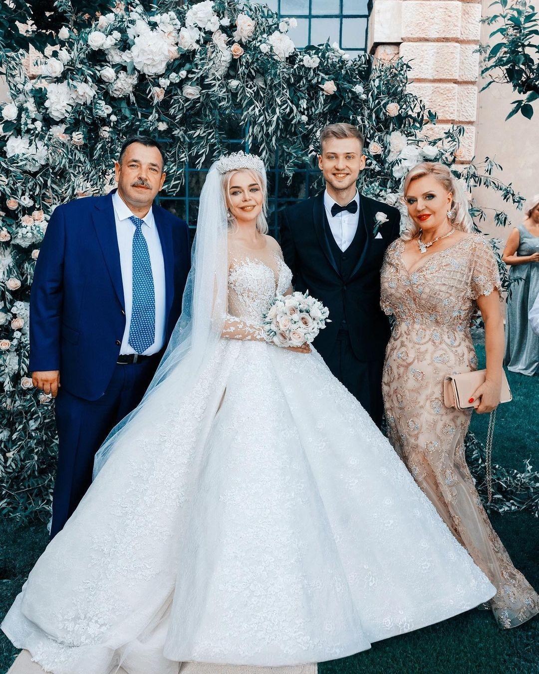 Алина Гросу свадьба свадебное платье пышное белое украинские звезды в чем выходят замуж