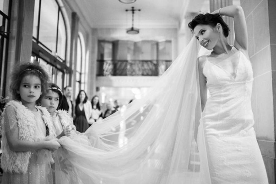 ирэна карпа свадьба свадебное платье короткое белое украинские звезды в чем выходят замуж