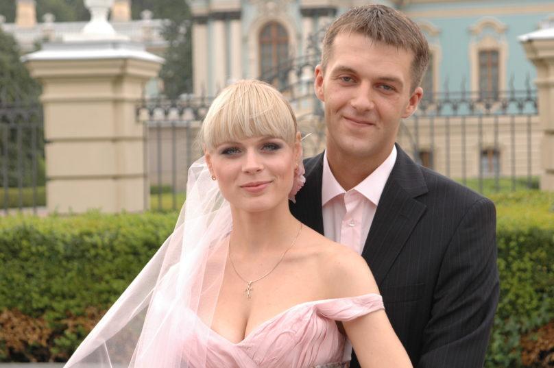 ольга фреймут свадьба свадебное платье длинное розовое корсет украинские звезды в чем выходят замуж