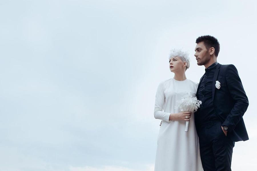 ONUKA The Maneken свадебное платье минимализм белое простое украинские звезды в чем выходят замуж