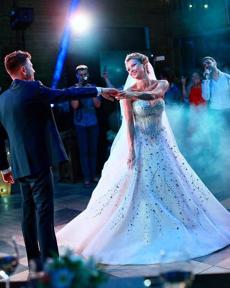 полина логунова дмитрий ступка свадьба свадебное платье пышное белое украинские звезды в чем выходят замуж