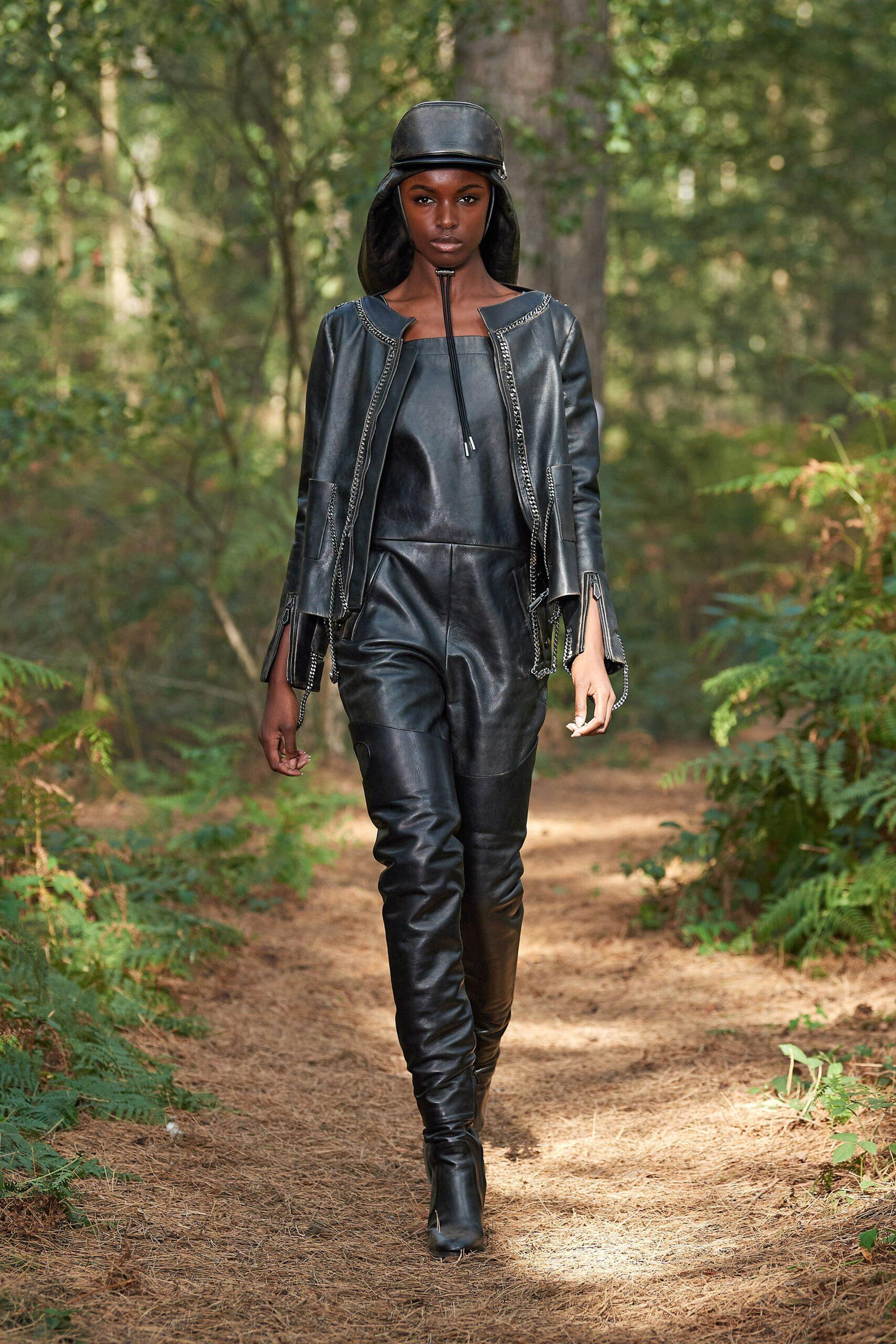 модные кожаные куртки весны 2021