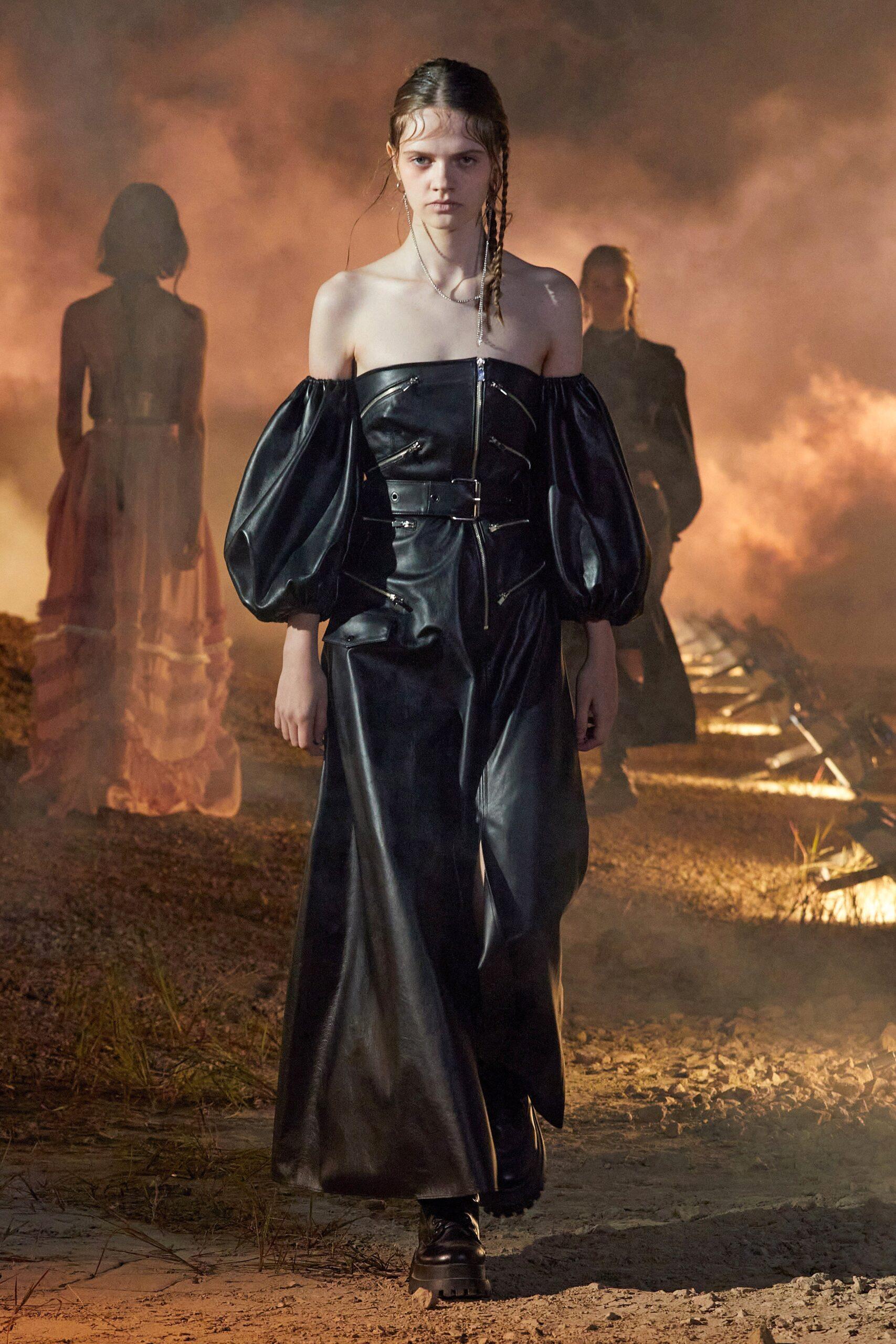 вечернее кожаное платье