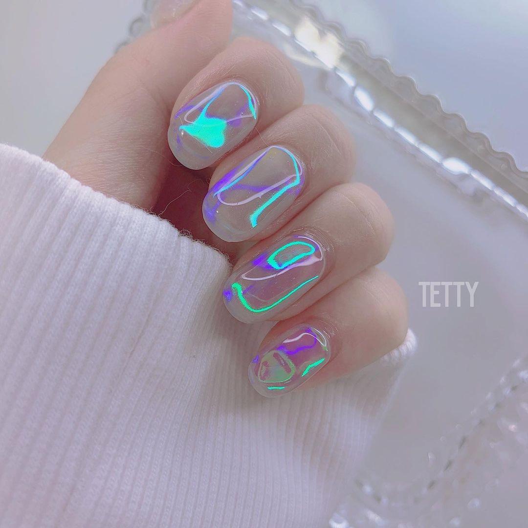 модный корейский маникюр аврора, северное сияние, стеклянный или лунный камень Нейл-дизайн втирка, фольга битое стекло