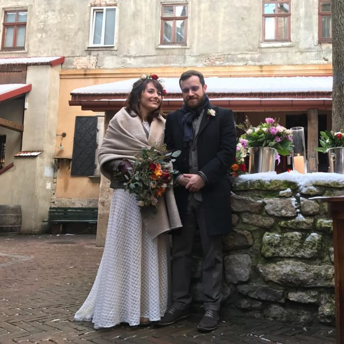 даша малахова крепостная свадьба свадебное платье белое длинное украинское в национальном стиле украинские звезды в чем выходят замуж