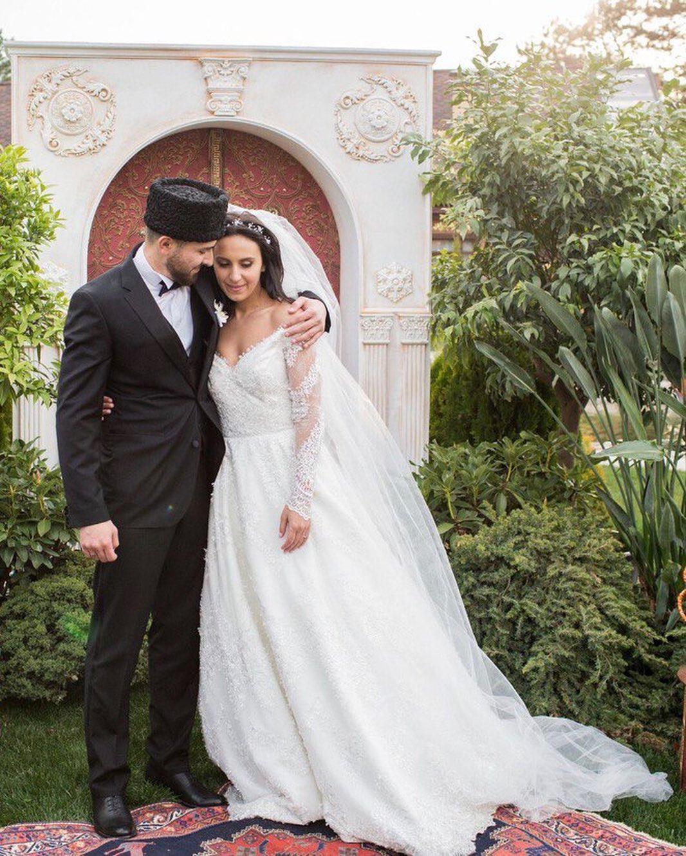 джамала свадьба свадебное платье белое длинное татарское в национальном стиле украинские звезды в чем выходят замуж