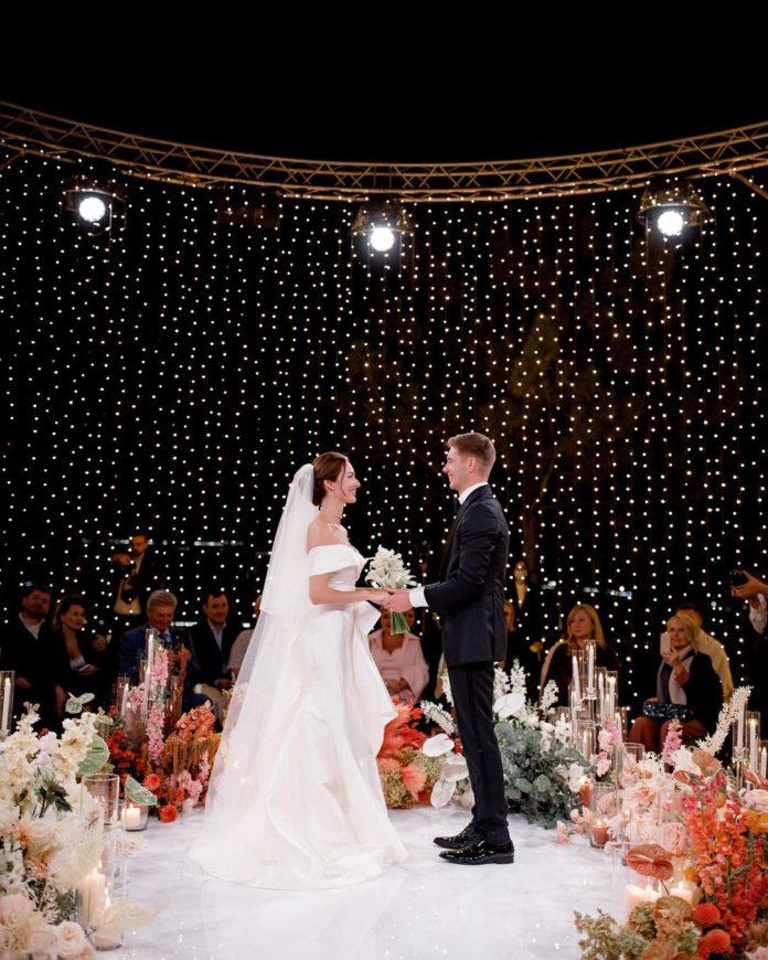 кристина горняк владимир остапчук свадьба свадебное платье белое длинное украинские звезды в чем выходят замуж