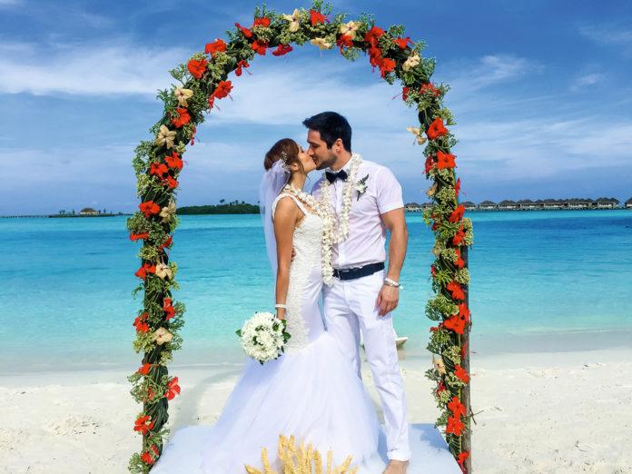 наталка денисенко андрей фединчик свадьба свадебное платье длинное украинские звезды в чем выходят замуж