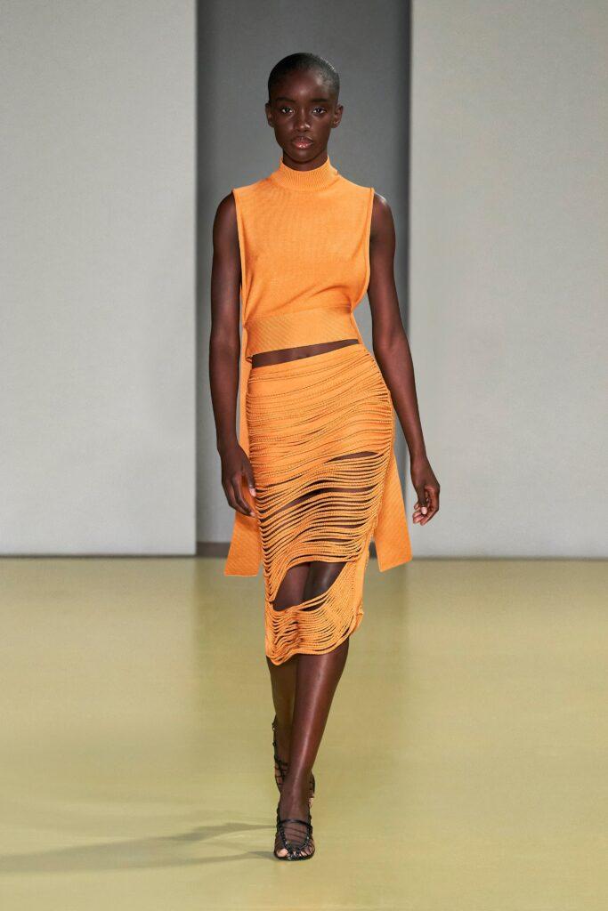 оранжевый костюм оранжевый тренд 2021 весна лето мода как носить с чем сочетать