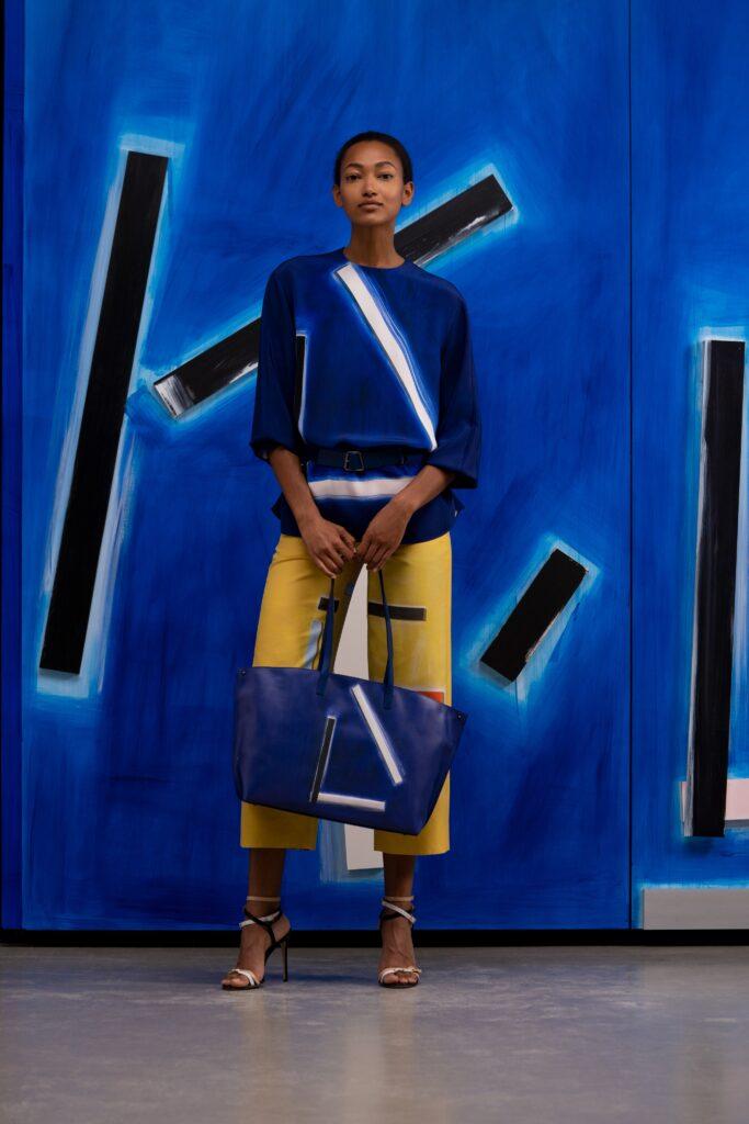 модная объемная большая синяя сумка овесайз тоут шоппер