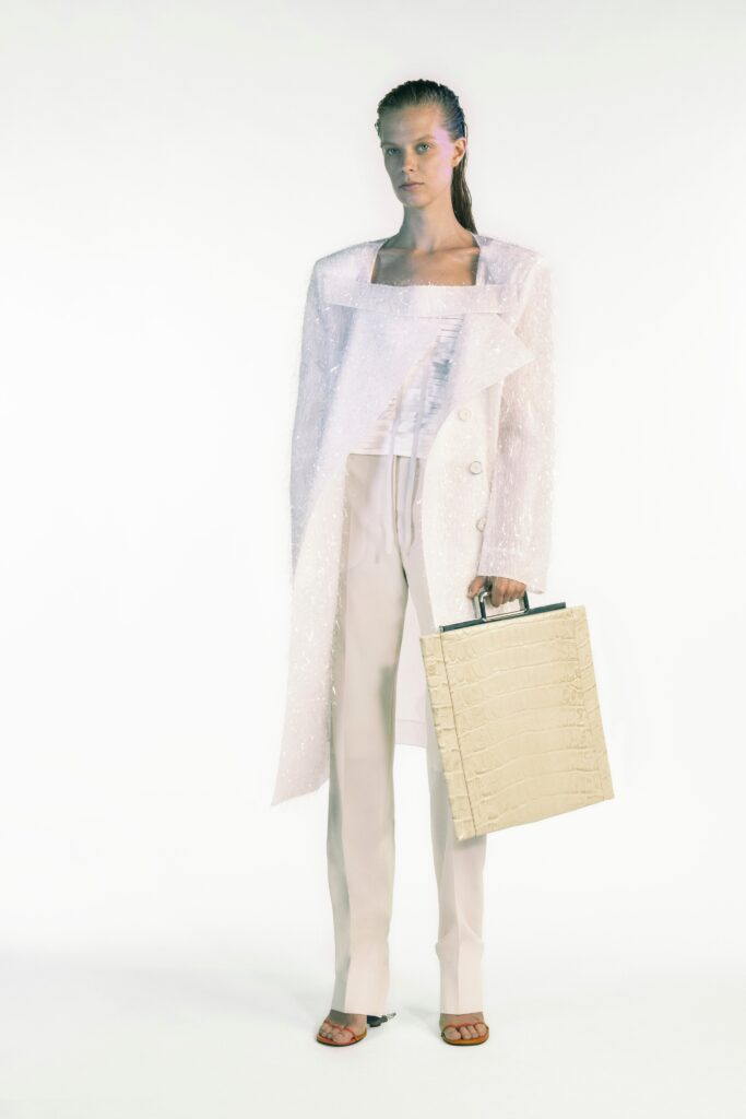 модная объемная большая белая сумка овесайз