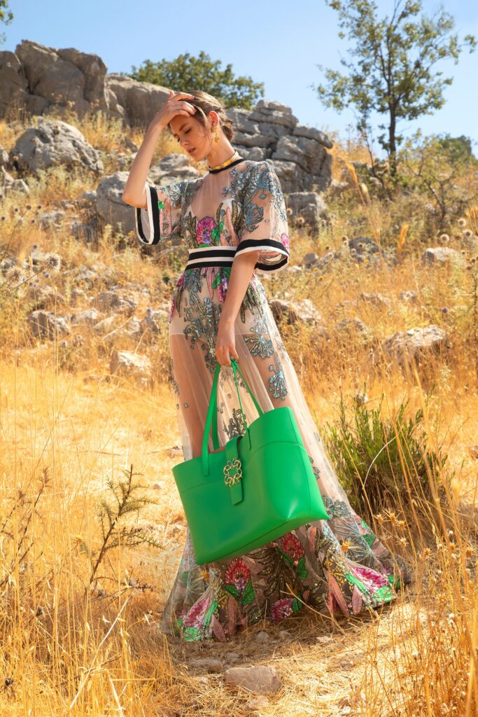 модная объемная большая зеленая сумка овесайз тоут шоппер