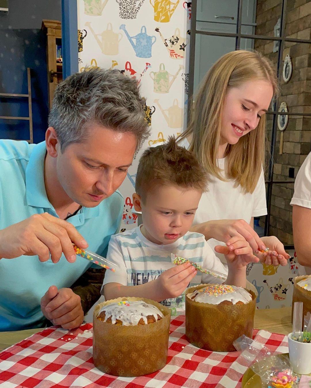 украинские звезды пасха 2021 как отметили паски крашанки декор александр педан дети