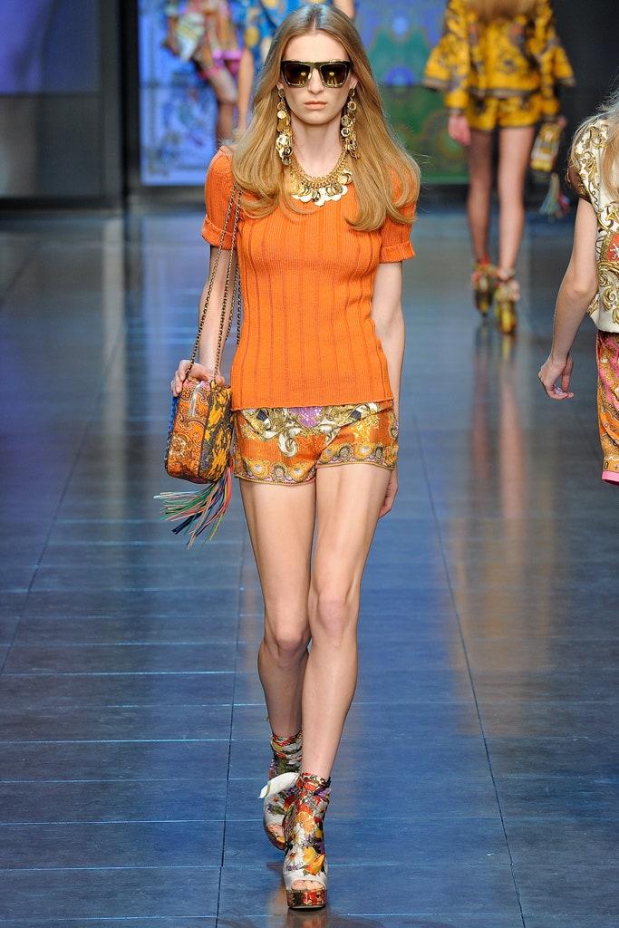 модный оранжевый цвет оранжевый тренд 2021 весна лето мода как носить с чем сочетать