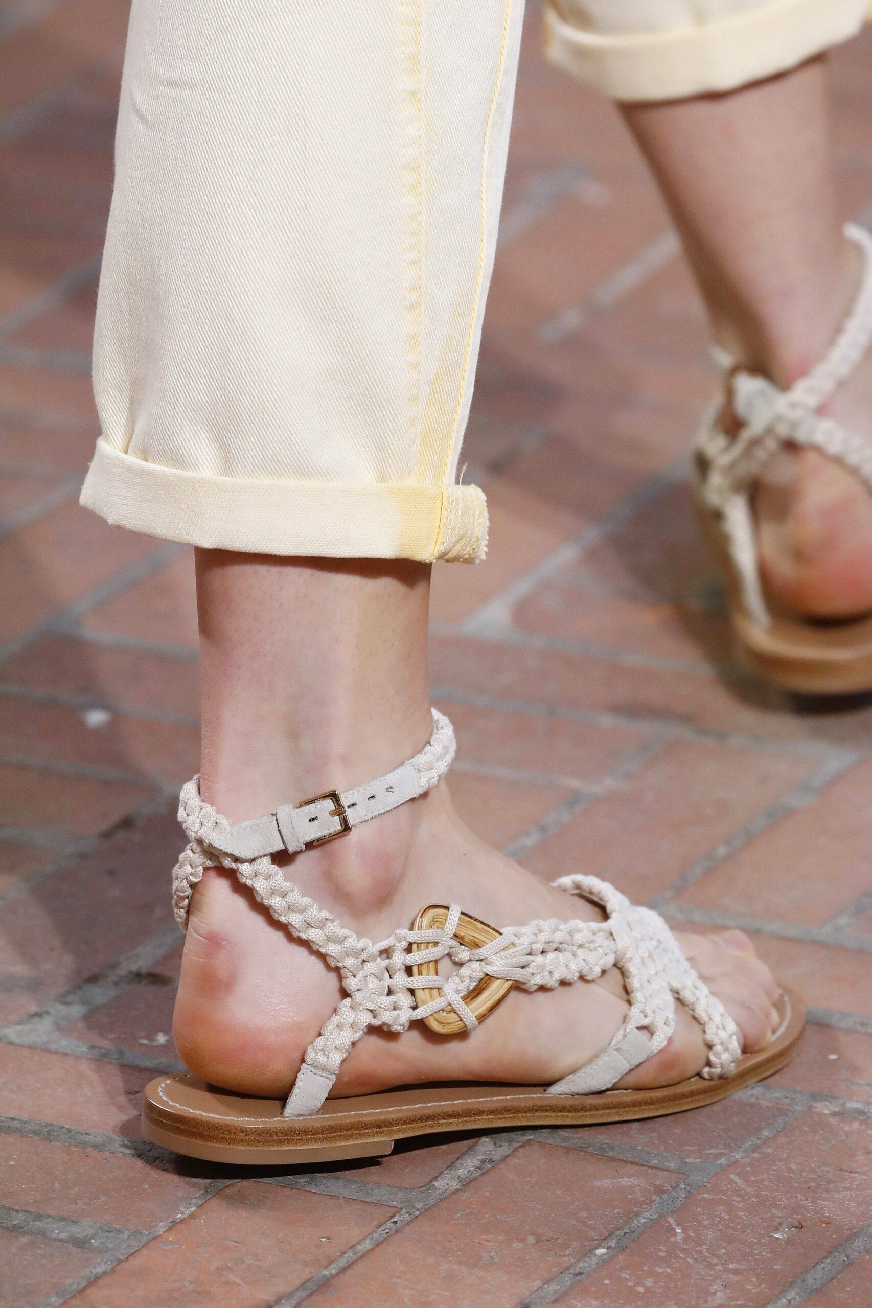 модная обувь лето 2021 на низком ходу плоская подошва без каблука женская веревочные плетеные макраме белые
