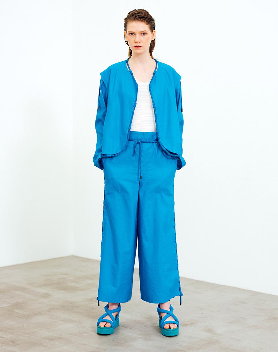 модные босоножки лето2021 тренд дутые синие голубые