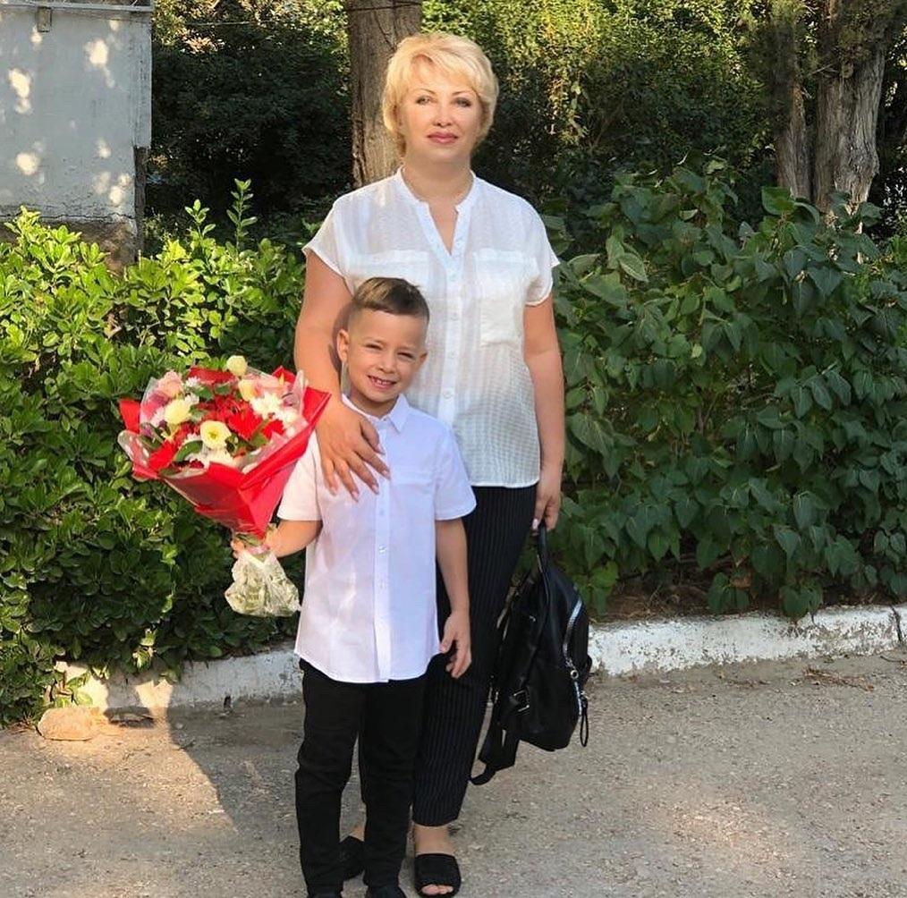 день матери украинские звезды как празднуют что дарят Ксения Мишина семья мать сын Платон