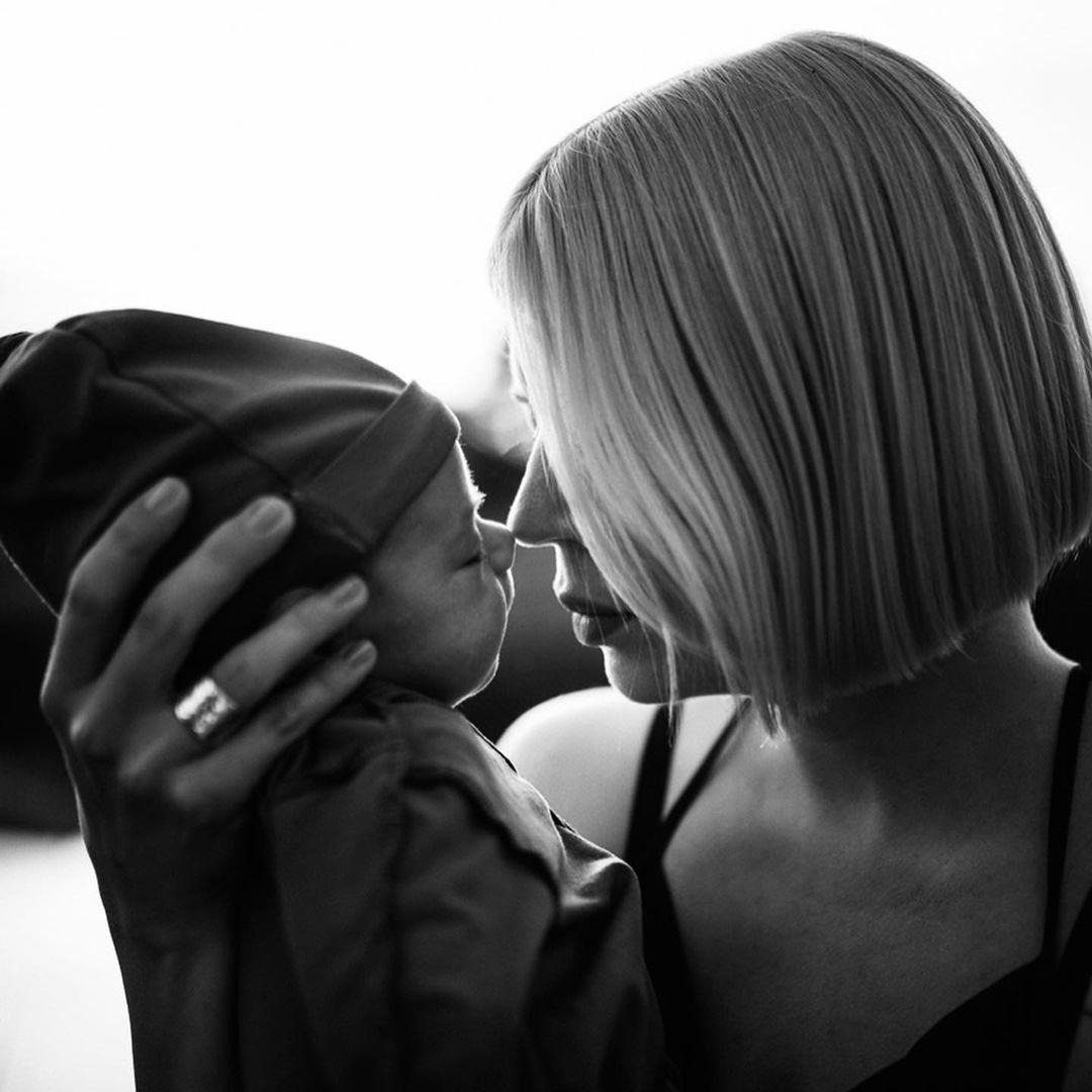 день матери украинские звезды как празднуют что дарят ONUKA Наталья Жижченко детское фото архив семья сын