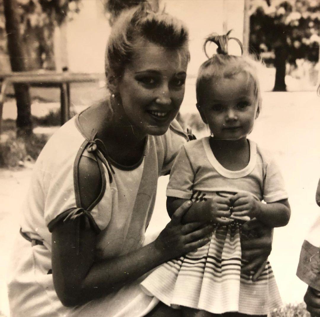 день матери украинские звезды как празднуют что дарят Ксения Мишина семья мать