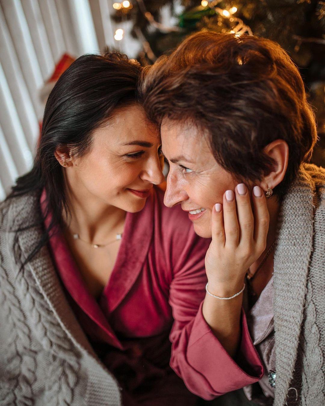 день матери украинские звезды как празднуют что дарят Илона Гвоздева семья мать