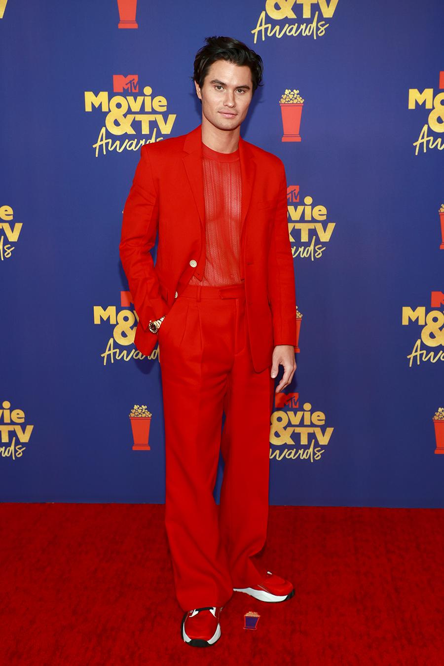 MTV Movie & TV Awards 2021 звезды красная дорожка кто в чем