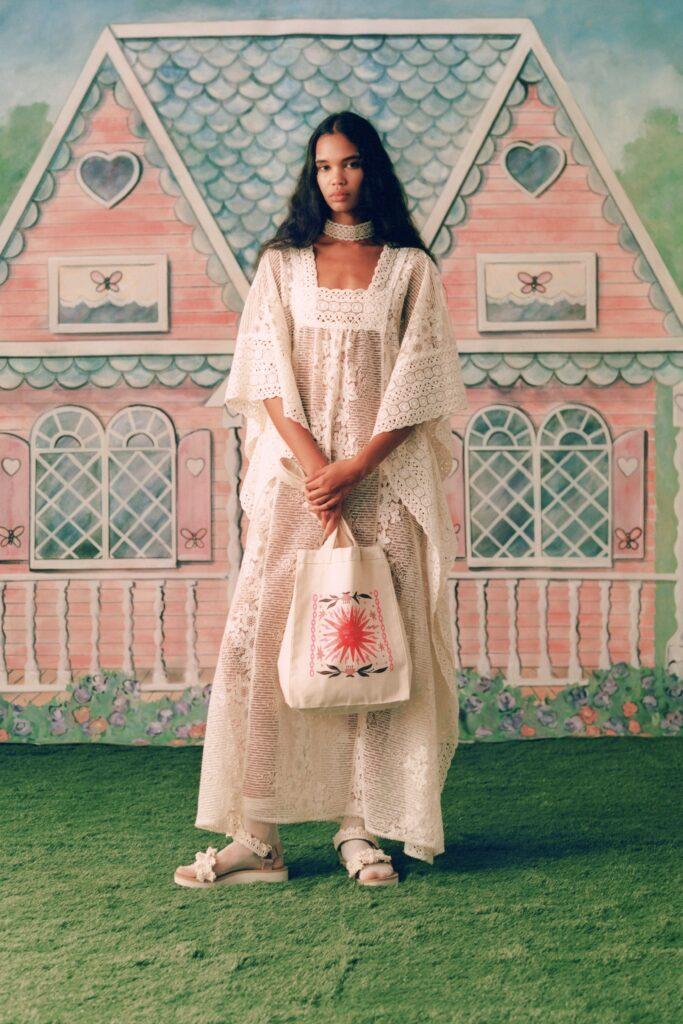 стиль бохо-шик 2021 платье накидка вязаное макси белое