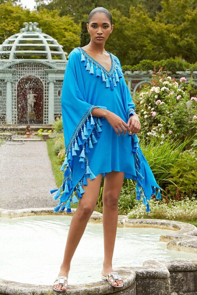 стиль бохо что такое мода лето 2021 как носить туника голубая синяя с кисточками