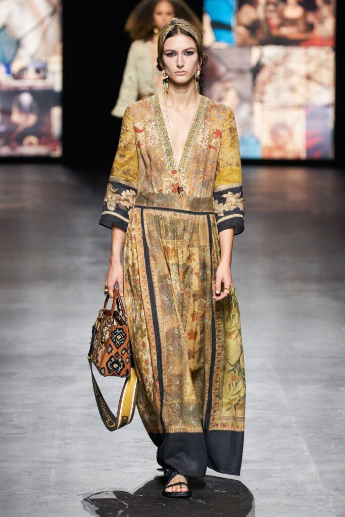 стиль бохо что такое мода лето 2021 как носить платье принты диор