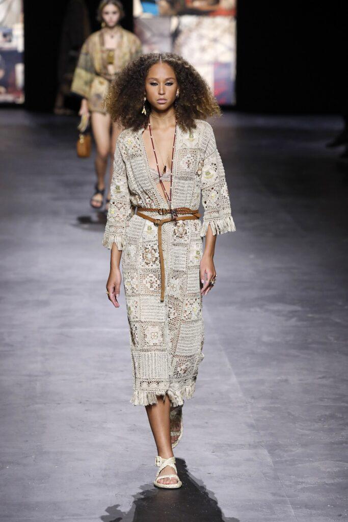 стиль бохо-шик 2021 платье накидка кружево вязаное белое