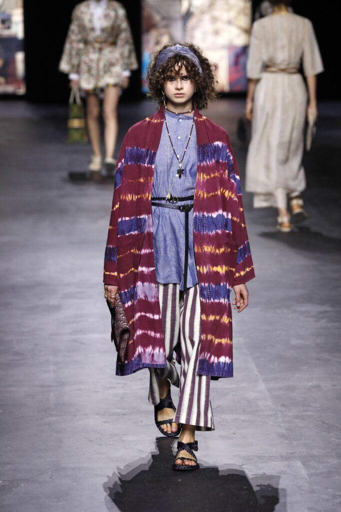 стиль бохо что такое мода лето 2021 как носить туника накидка принты тай дай полоска