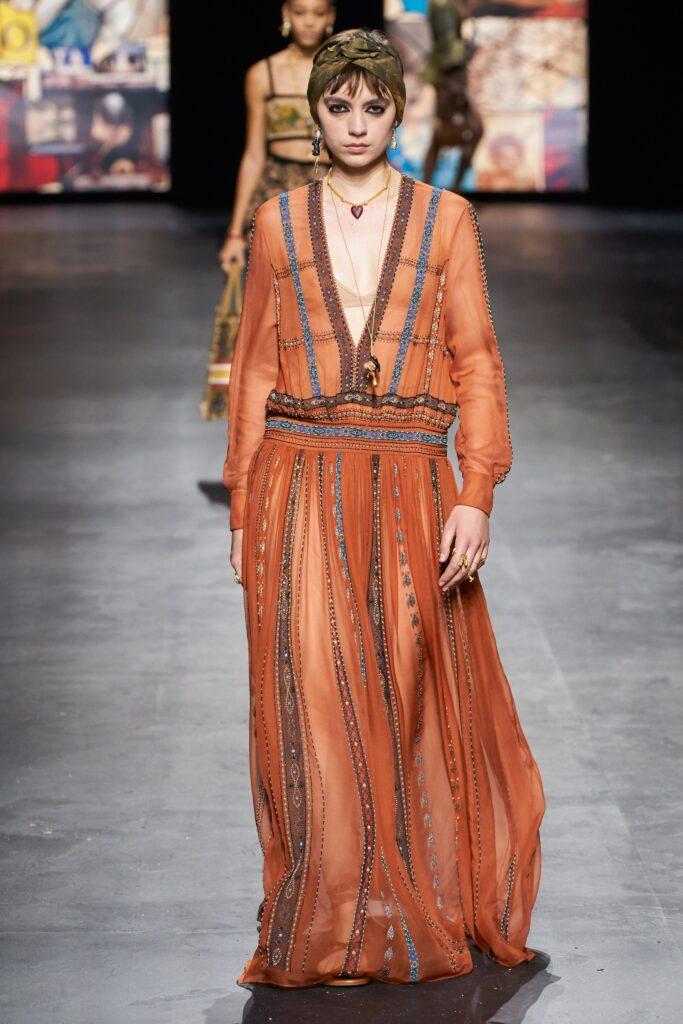 стиль бохо-шик 2021 платье макси прозрачное оранжевое
