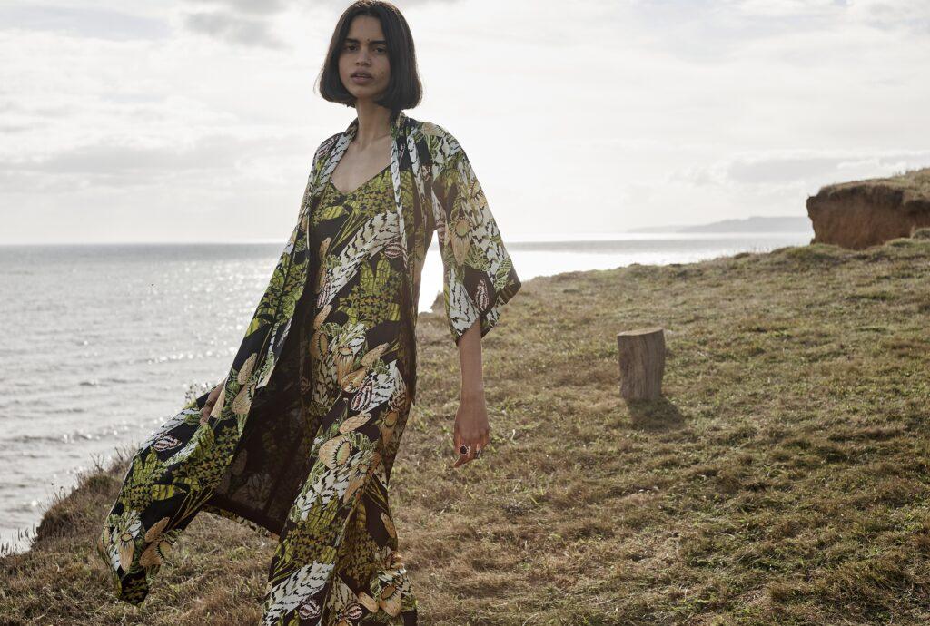 стиль бохо что такое мода лето 2021 как носить туника платье накидка принты зеленое коричневое