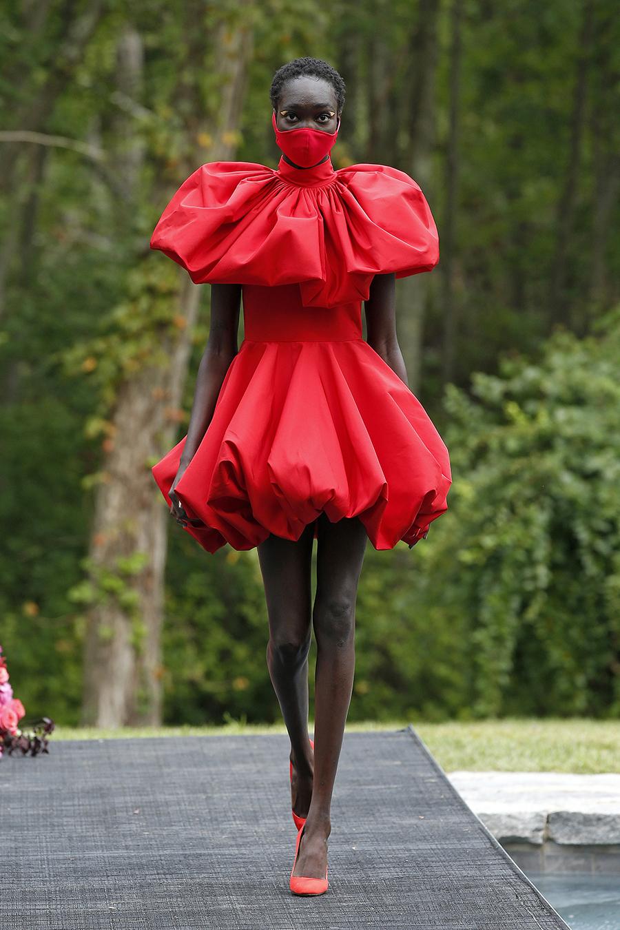 мини-платье модное лето 2021 короткое пышная юбка яркое красное