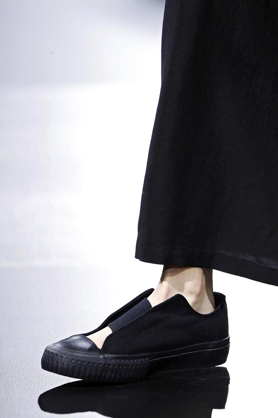 самые модные кроссовки кеды спортивные сандалии женские обувь лето 2021