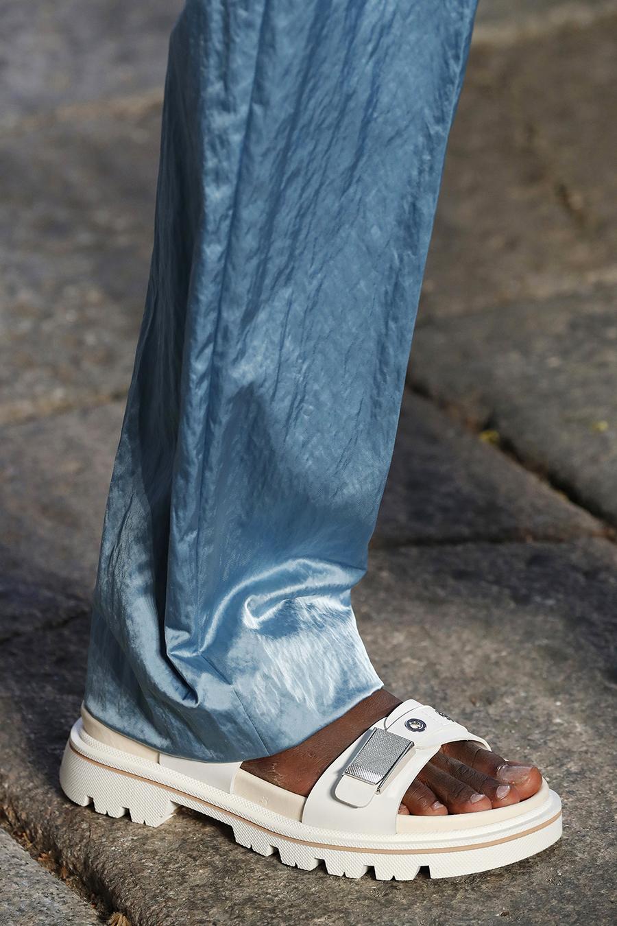 самые модные кроссовки кеды спортивные сандалии женские обувь лето 2021 белые