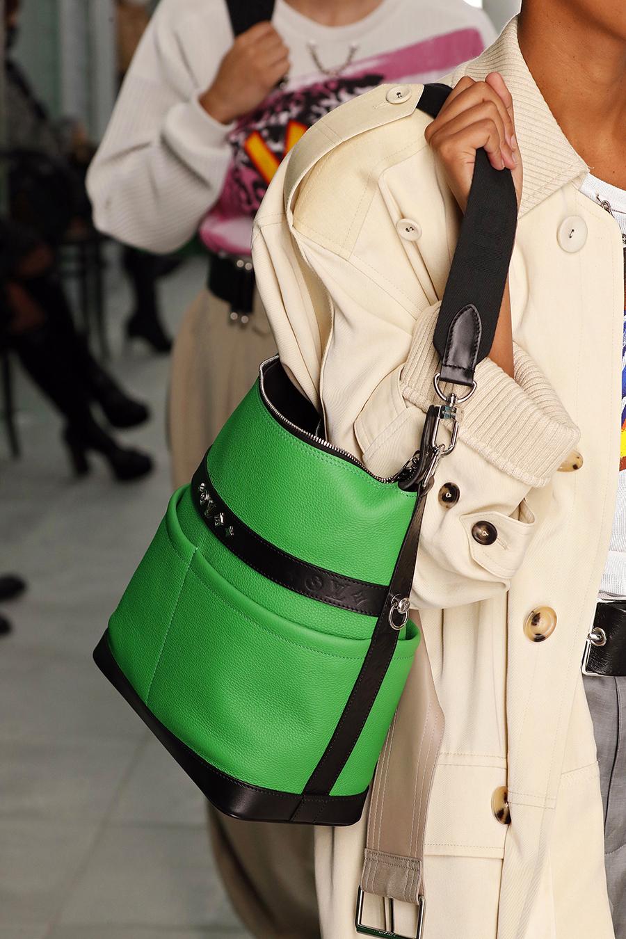 модная женская сумка лето 2021 клатч тоут шоппер пауч кожаная зеленая черная