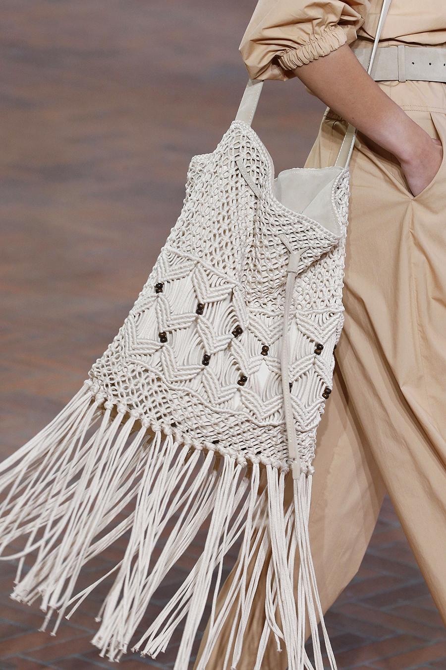 модная женская сумка лето 2021 клатч тоут шоппер пауч вязаная макраме белая бежевая